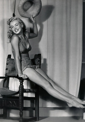 Knows Marilyn monroe nude legs spread apologise